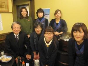 岡空社長、専務、蔵の女性一同